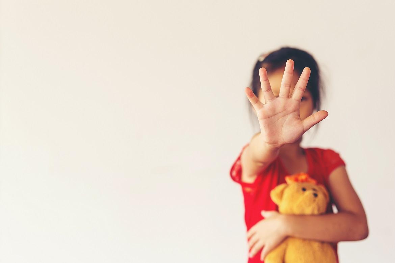 Maio Laranja: Queda de 30% nas denúncias de abuso sexual de crianças e jovens preocupa especialistas
