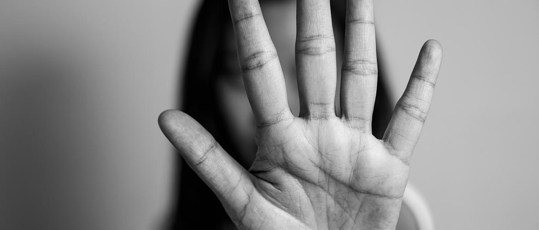 Violência contra a Mulher: Febrasgo alerta para principais fatores de risco, ao longo da infância e vida adulta