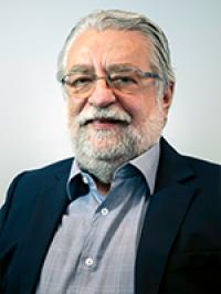 Dr. César Eduardo Fernandes - Diretor Científico